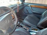 Mercedes-Benz E 200 1993 года за 2 150 000 тг. в Усть-Каменогорск – фото 4