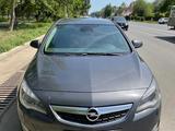 Opel Astra 2011 года за 2 500 000 тг. в Уральск – фото 2