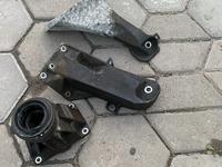 Кранштейн подушки двигателя BMW за 15 000 тг. в Алматы