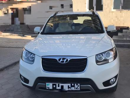 Hyundai Santa Fe 2011 года за 6 300 000 тг. в Актау