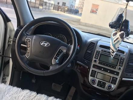Hyundai Santa Fe 2011 года за 6 300 000 тг. в Актау – фото 10