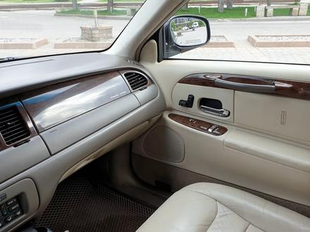 Lincoln Town Car 1996 года за 4 600 000 тг. в Алматы – фото 19