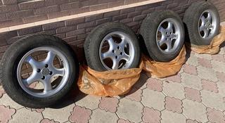 Комплект зимней резины с дисками на Toyota (немецкая) за 110 000 тг. в Алматы