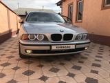 BMW 528 1999 года за 3 300 000 тг. в Шымкент