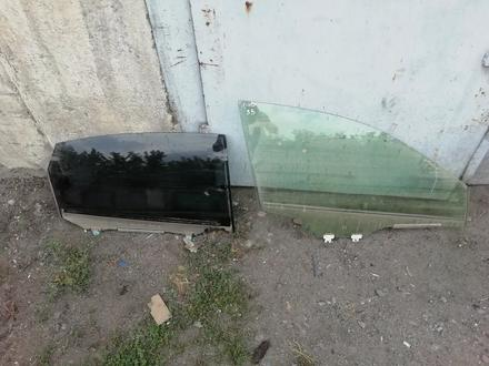 Стекло боковое дверное за 20 000 тг. в Алматы