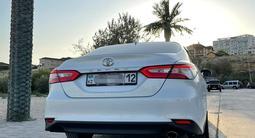 Toyota Camry 2018 года за 13 500 000 тг. в Актау – фото 4