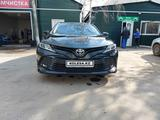 Toyota Camry 2018 года за 12 800 000 тг. в Семей