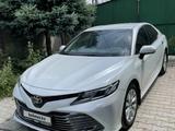 Toyota Camry 2019 года за 13 500 000 тг. в Алматы – фото 3