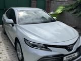 Toyota Camry 2019 года за 13 500 000 тг. в Алматы – фото 4