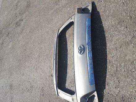 Крышку багажника верхнюю на Toyota LAND Cruiser 200 до 2015года за 35 000 тг. в Актобе – фото 2