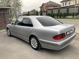 Mercedes-Benz E 200 2000 года за 2 700 000 тг. в Алматы – фото 4