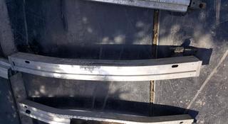 Усилитель переднего бампера на Субару Оутбак американец за 14 000 тг. в Караганда