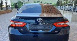 Toyota Camry 2018 года за 11 900 000 тг. в Актау – фото 5