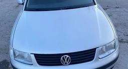 Volkswagen Passat 1999 года за 1 500 000 тг. в Актау – фото 2