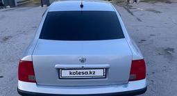 Volkswagen Passat 1999 года за 1 500 000 тг. в Актау – фото 5