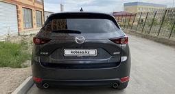 Mazda CX-5 2018 года за 11 000 000 тг. в Атырау – фото 2
