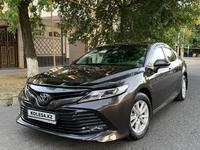 Toyota Camry 2019 года за 11 800 000 тг. в Шымкент