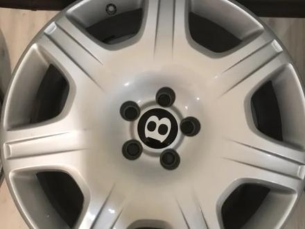 Резина с дисками на Bentley за 160 000 тг. в Алматы – фото 3