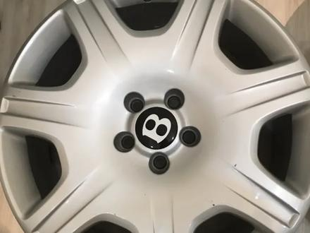 Резина с дисками на Bentley за 160 000 тг. в Алматы – фото 5