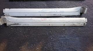 Пластиковые накладки на пороги на Митсубиси Паджеро 3 за 15 000 тг. в Алматы