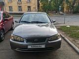 Toyota Camry 2000 года за 3 300 000 тг. в Усть-Каменогорск