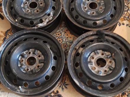 Железные диски на размер 15 тойоту за 20 000 тг. в Нур-Султан (Астана) – фото 5