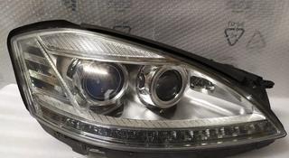 Фары рестайлинг на Mercedes-Benz S класс, w221 левая правая за 450 000 тг. в Алматы