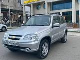 Chevrolet Niva 2012 года за 2 200 000 тг. в Атырау – фото 5
