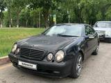 Mercedes-Benz CLK 320 2001 года за 1 650 000 тг. в Алматы – фото 4