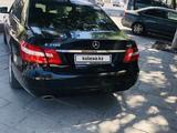 Mercedes-Benz E 200 2011 года за 6 100 000 тг. в Шымкент – фото 4