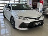 Toyota Camry 2021 года за 17 670 000 тг. в Актобе