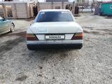 Mercedes-Benz E 230 1990 года за 890 000 тг. в Усть-Каменогорск – фото 4