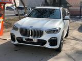 BMW X5 2019 года за 37 000 000 тг. в Алматы – фото 2