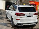 BMW X5 2019 года за 37 000 000 тг. в Алматы – фото 3