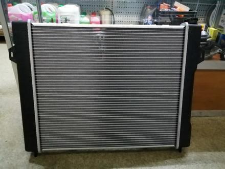 Радиатор охлаждения основой радиатор на Jeep Grand Cherokee за 45 000 тг. в Алматы – фото 5