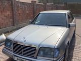 Mercedes-Benz E 220 1994 года за 2 500 000 тг. в Алматы – фото 4
