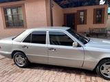 Mercedes-Benz E 220 1994 года за 2 500 000 тг. в Алматы – фото 5