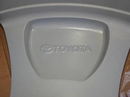 Новые диски R 17 оригинал, Toyota, Япония за 170 000 тг. в Алматы – фото 3