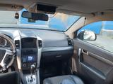 Chevrolet Captiva 2009 года за 4 600 000 тг. в Атырау – фото 4