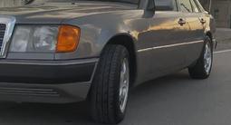 Mercedes-Benz E 220 1993 года за 2 400 000 тг. в Кызылорда – фото 3