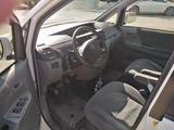 Toyota Voxy 2006 года за 3 150 000 тг. в Атырау – фото 2
