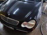 Mercedes-Benz C 240 2001 года за 2 800 000 тг. в Алматы – фото 2