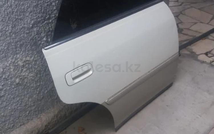 Дверь задняя правая за 30 000 тг. в Алматы