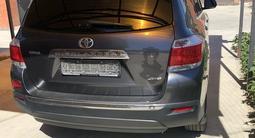 Toyota Highlander 2013 года за 14 250 000 тг. в Атырау – фото 3
