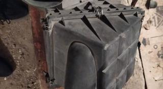 Корпус (короб) воздушного фильтра w202 C класс за 12 000 тг. в Балхаш