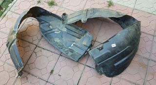Передние подкрылки для камри 40 за 16 000 тг. в Алматы