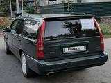 Volvo 850 1996 года за 2 000 000 тг. в Алматы – фото 2