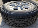 Зимние шины Hankook с дисками за 240 000 тг. в Алматы – фото 2