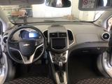 Chevrolet Aveo 2014 года за 3 500 000 тг. в Атырау – фото 5