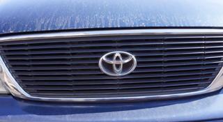 Решетка радиатора Toyota Avalon за 777 тг. в Усть-Каменогорск